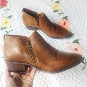STEVE MADDEN Ajay Brown Leather Ankle Booties 9